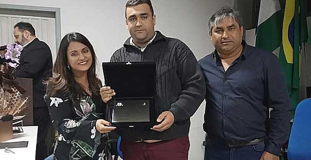 Dra. Monaliza recebe Título de Cidadã Honorária de Adrianópolis